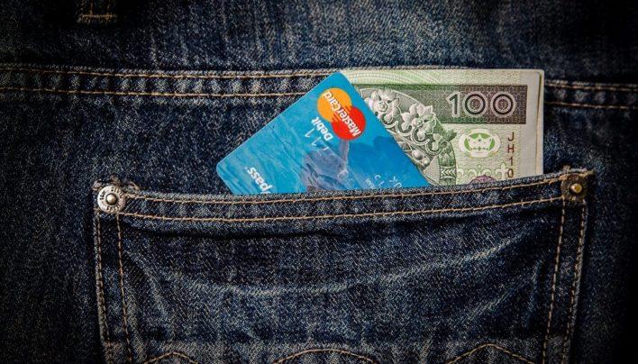 Kaj če ni težava v denarju, ampak v tebi? – vodi Ana Omanovič